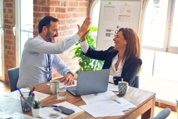 MLM(ネットワークビジネス)の成功例!成功者の特徴や成功率は?